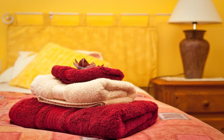 105462143-bed-towels-1440